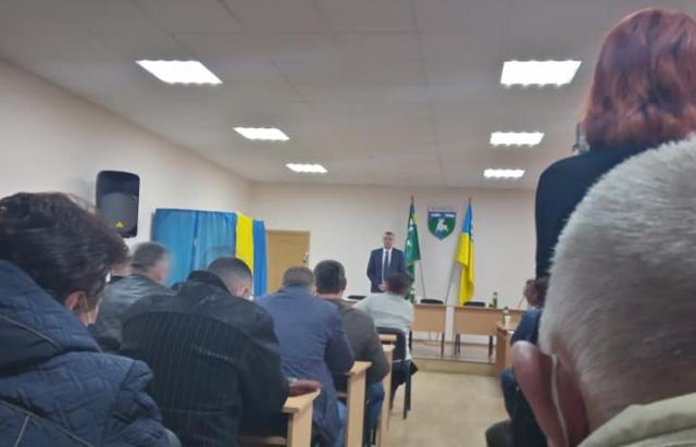 Київ і область не указ: затриманий на хабарі селищний голова Воловця продовжує працювати (ФОТО, ВІДЕО)